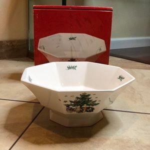 """Christmastime nikko salad bowl 10"""""""